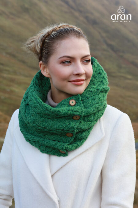 Aran Buttoned Infinity Scarf - Green